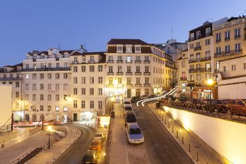 Hello Lisbon Rossio Collection Apartments, Hotell i Lissabon