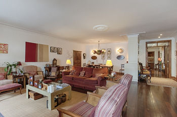 Lisbon Downtown Apartment - XVIII Century Luxury Apartment, Hotell i Lissabon