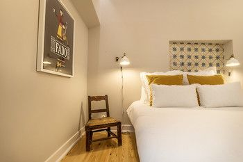 Luminous Flat at Mouraria, Hotell i Lissabon