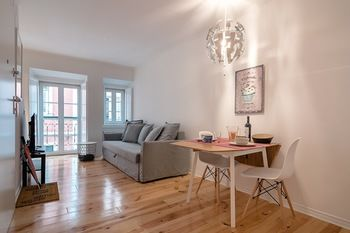 New Apt Historic Center Bairro Alto by LCH, Hotell i Lissabon