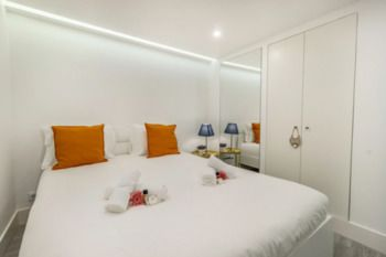 Veronica by BnbLord, Hotell i Lissabon