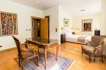 Luxury Apartment Republic Avenue, Hotell i Lissabon