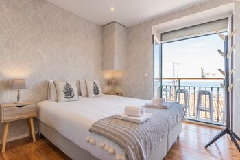 Alfama Vintage Studio Apartment w/ RiverView - by LU Holidays, Hotell i Lissabon