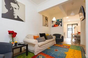 Five Spacious Bedroom Apartment in Alameda, Hotell i Lissabon