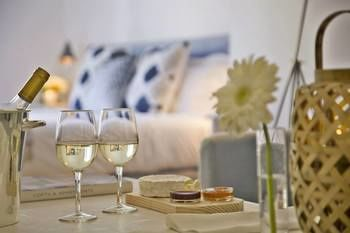 Your Home In Bairro Alto Apartments, Hotell i Lissabon