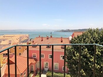 Amazing view - Cozy flat, Hotell i Lissabon