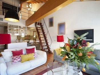 Principe Real two Bedroom Loft, Hotell i Lissabon
