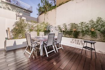 Alameda Lovely Apartment With Terrace, Hotell i Lissabon