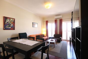 02 Nice Flat by Quinta das Conchas, Hotell i Lissabon