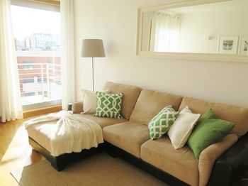 Charming apartament - 2bedrooms & Garage, Hotell i Lissabon