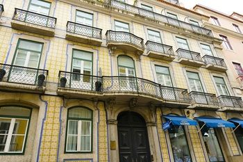 Fascinating apartment in historic Lisbon, Hotell i Lissabon