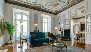 Sweet Inn Apartments Chiado, Hotell i Lissabon