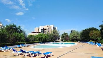 Best Welcome Pool Apartment for 4 with Garage, Hotell i Lissabon