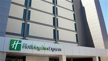 Holiday Inn Express Lisbon Airport, Hotell i Lissabon